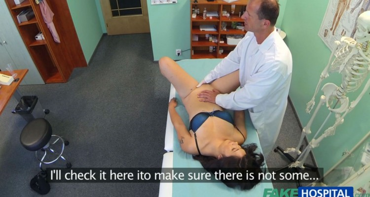 Johanna gets her pussy fingered by her doctor