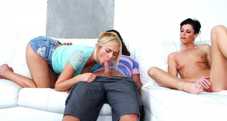 India Summer and Kate England from Moms Bang Teens
