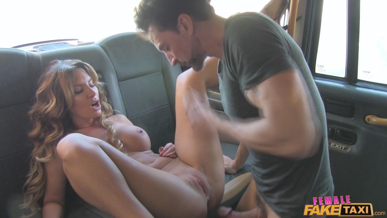 porno-fak-taksi-smotret-na-telefone