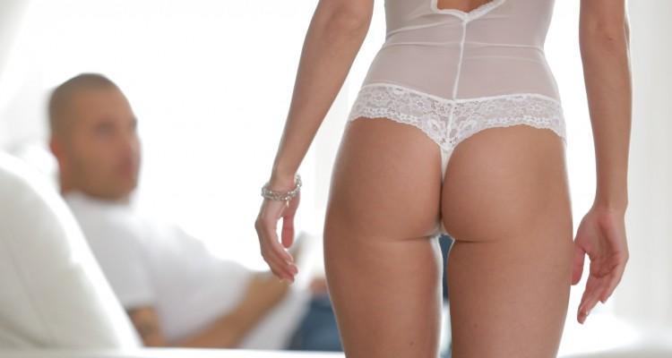 Candeelicious in white lingerie