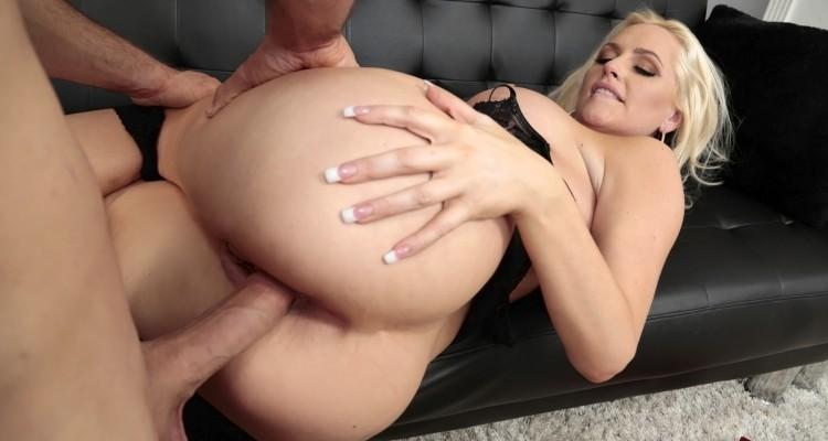 Alexa Croft gets her big ass fucked