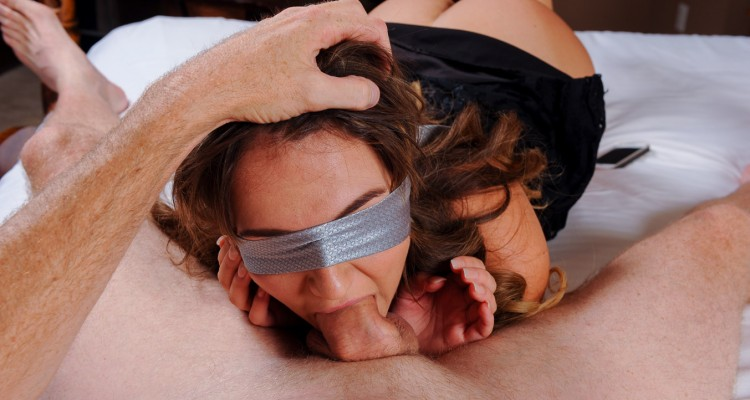 Charlotte's blindfolded blowjob