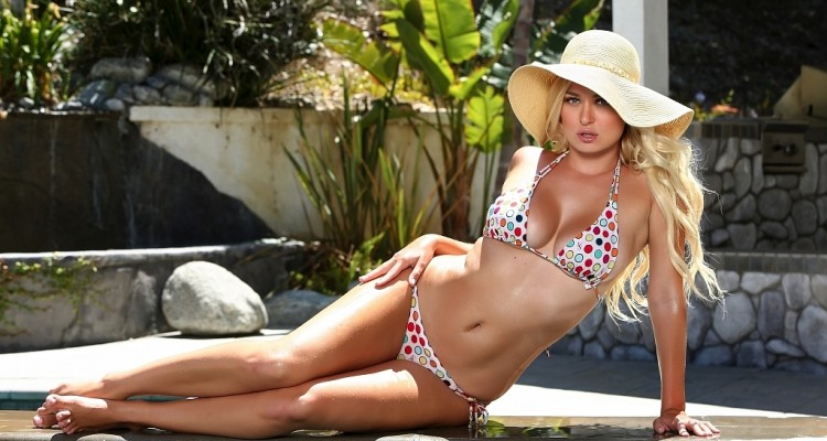 Natalia Starr outdoor bikini shot