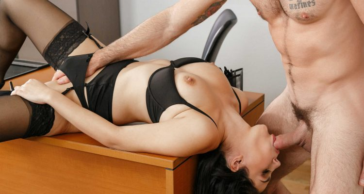 massage her pussy while she sucks your rod